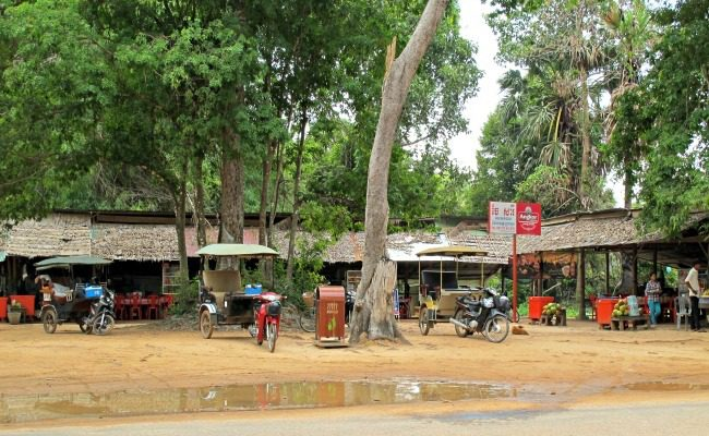 Angkor Wat Roadside