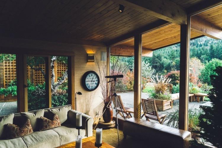 cottage-stock