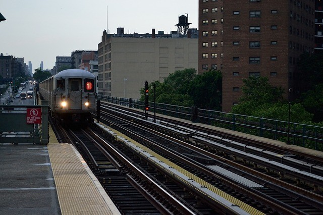 LGA to Manhattan